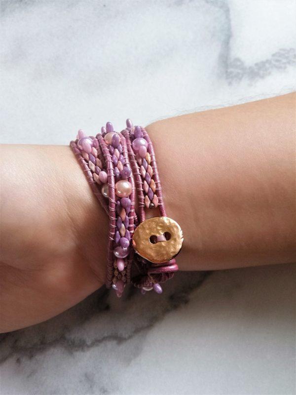 Relief, paars, purple, wrapbracelet, wikkelarmband, armband, leather, leder, bracelet